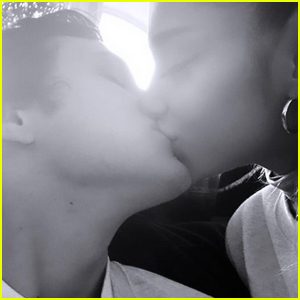 Ariana Grande Confirms She & Dalton Gomez Are Still Dating With a Kiss!