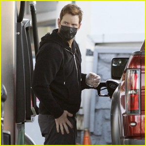 Chris Pratt Fuels Up His Pick Up Truck While Out for the Day