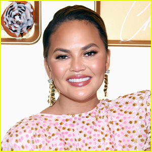 Chrissy Teigen Reveals Her 2021 Resolution & It Will Impact Her Social Media!