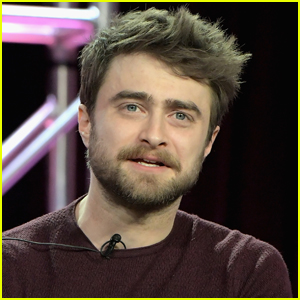Daniel Radcliffe Broke So Many Harry Potter Wands Because He Was Doing This With Them!