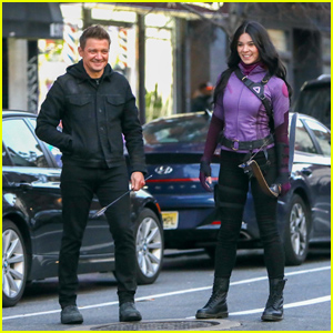 Jeremy Renner & Hailee Steinfeld Continue Filming 'Hawkeye' TV Show in NYC