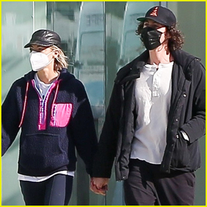 Jaime King Holds Hands with Sennett Devermont While Shopping in L.A.