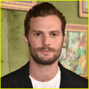 Jamie Dornan Sings 'White Christmas' & His Kids Hilariously React - Watch!