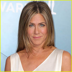 Jennifer Aniston Shares Photos Inside Low-Key Christmas with Her Dogs