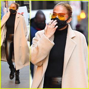 Jennifer Lopez Wears Skin Tight Pants To Go Holiday Shopping