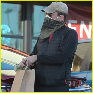 Jon Hamm Stays Extra Safe in Face Mask & Bandana While Grocery Shopping