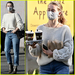 Julianne Hough Picks Up Coffee with Her Mom During Christmas Weekend