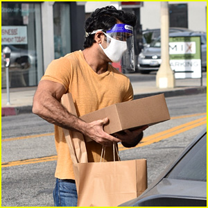 Kumail Nanjiani Looks So Buff While Picking Up Cakes in L.A.
