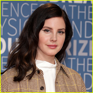 Lana Del Rey Reveals How She Fractured Her Arm