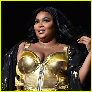 Lizzo Surprises Her Mother With a Car for Christmas!