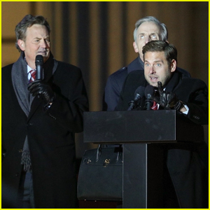 Matthew Perry & Jonah Hill Film Political Rally for 'Don't Look Up' in Boston!