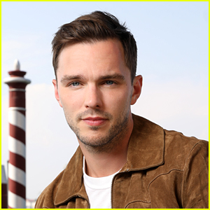 It's Nicholas Hoult's Birthday And a Hot New Shirtless Photo Just Surfaced!