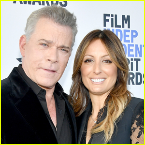Ray Liotta Announces Engagement to Jacy Nittolo!