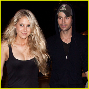 Anna Kournikova Shares Cute Photo of Daughter Mary with Enrique Iglesias on Her First Birthday!