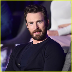 Chris Evans Reacts to Reports of Returning to Play Captain America