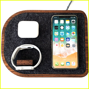 This Docking Station For iPhone, Apple Watch & AirPods Is A Lifesaver