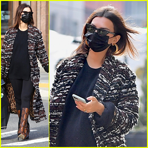 Emily Ratajkowski Arrives Fashionably For An Appointment in New York City