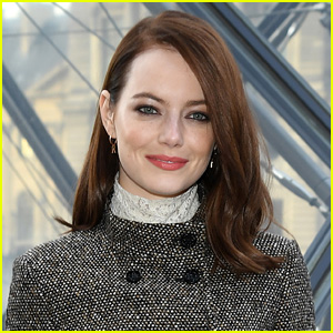 Emma Stone Is Pregnant, Spotted with Baby Bump in New Photos!