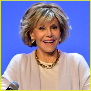 Jane Fonda Shares Photo While Receiving the COVID-19 Vaccine