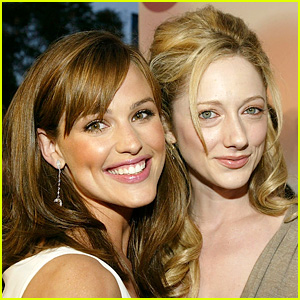 Jennifer Garner Reunites with '13 Going on 30' Co-Star Judy Greer!