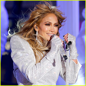 Here's Why Jennifer Lopez Teared Up During Her New Year's Eve 2021 Performance in Times Square