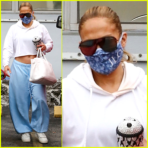 Jennifer Lopez Lunches With Pals After Private Gym Workout