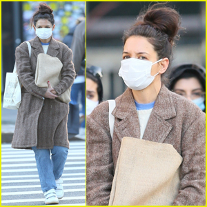 Katie Holmes Masks Up for Afternoon Stroll in NYC