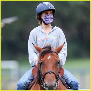 Natalie Portman Takes a Horseback Riding Lesson in Sydney
