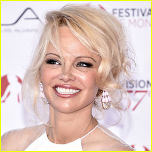 Pamela Anderson Is Quitting All Social Media - Find Out Why