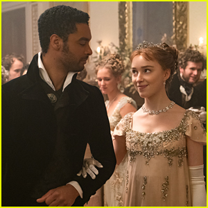 Phoebe Dynevor Reveals She & Rege-Jean Page Check In With Each Other 'A Lot'