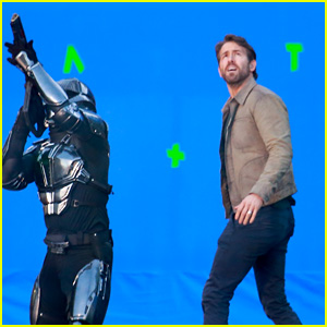 Ryan Reynolds Films an 'Adam Project' Fight Scene Against a Blue Screen Backdrop