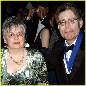 Stephen King Celebrates His 50th Wedding Anniversary!
