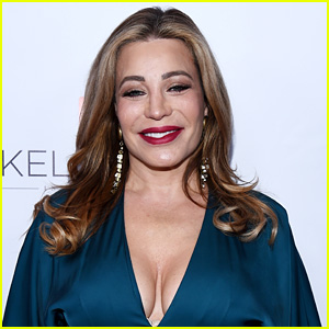 Taylor Dayne Responds After Being Slammed for Being at Trump's NYE Party
