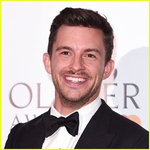 Jonathan Bailey Teases 'Bridgerton' Season 2 Easter Eggs