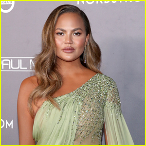 Chrissy Teigen Reveals She's 'Full of Regret' While Reflecting on Pregnancy Loss
