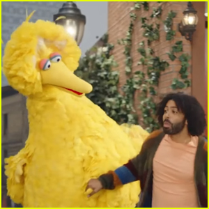 Daveed Diggs & Sesame Street's Super Bowl Commercial for DoorDash - Watch Now!