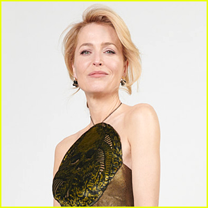 The Crown's Gillian Anderson Shines in Gold For Golden Globes 2021