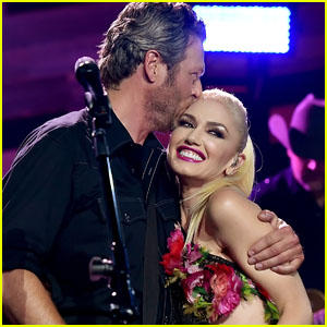 Gwen Stefani Gets Candid About Planning Her Wedding With Blake Shelton in Pandemic