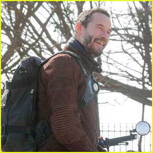 Keanu Reeves Gets Chatty With Fans While Out On A Motorcycle Ride
