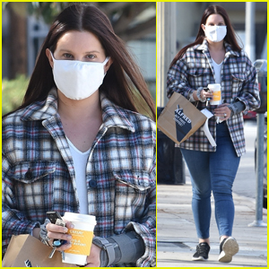Lana Del Rey Meets Up with a Friend for Coffee in Studio City
