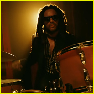 Lenny Kravitz Is the Heartbeat Billionaire in Stella Artois' Super Bowl Commercial 2021 (Video)