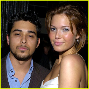 Mandy Moore Comments on Ex Wilmer Valderrama's Baby Announcement