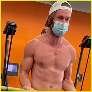 Patrick Schwarzenegger Flaunts Ripped Body During His Workout Session