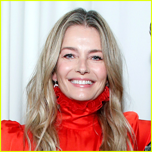 Paulina Porizkova Goes Nude on Instagram With An Inspiring Message About Body Positivity