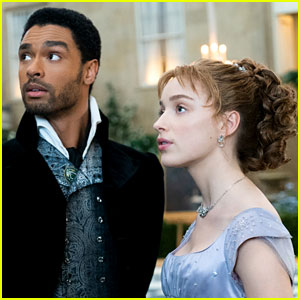 Bridgerton's Phoebe Dynevor Responds to Rege-Jean Page Romance Rumors