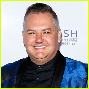 Ross Mathews Is Engaged - See the Photo!