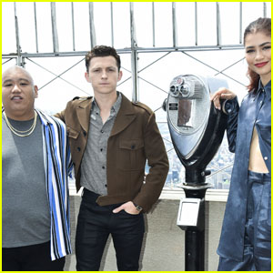 'Spider-Man' Stars Tom Holland, Zendaya & Jacob Batalon Unveil the Actual Title of Third Movie - Watch!