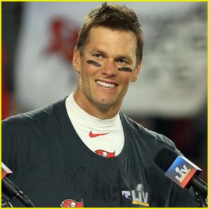Tom Brady to Reportedly Undergo Minor Knee Surgery