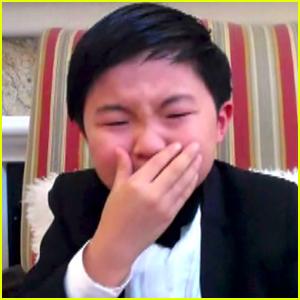 Minari's Alan S. Kim Cries During Acceptance Speech at Critics Choice Awards 2021