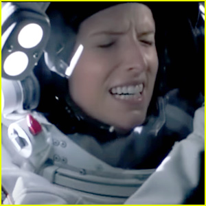 Anna Kendrick Embarks On A Mission To Mars in First Trailer for 'Stowaway'
